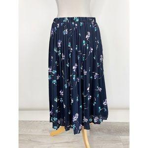 🛍3 for $25 🛍 Banana Republic Blue Floral Skirt